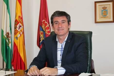 El alcalde de Adra satisfecho por la adjudicación de las obras de mejora del alumbrado del puerto