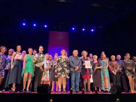 Vícar vuelve a mostrar su solidaridad llevando el Teatro en la II Gala contra el Cáncer