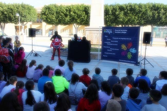 Un centenar de escolares ejidenses celebran el Día del Gitano Andaluz
