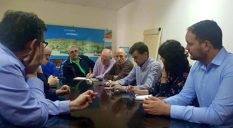 Maillo se reune con la Mesa del Ferrocarril de Almería