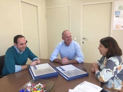 Ayuntamiento de Mojácar entrega a la Junta el anteproyecto de la segunda fase de la variante del municipio