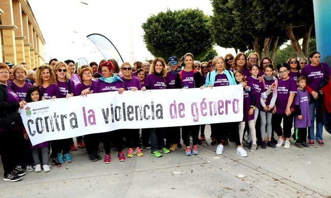 El Ejido se tiñe de morado en la VI Ruta Contra la Violencia de Género