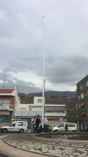 Mástil de 14 metros para una bandera española en Berja desde el 6 de diciembre