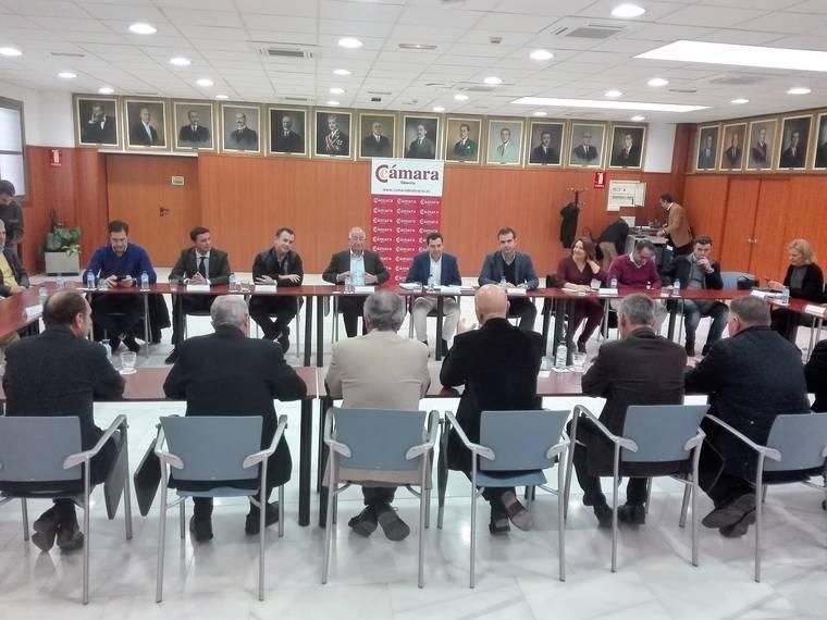 Moreno vuelve a reclamar en Almería un Pacto por el Agua