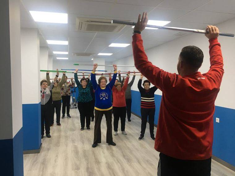El nuevo gimnasio en la sala de usos m ltiples completa la for Gimnasio abastos