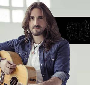 Andrés Suárez llega mañana sábado a Roquetas de Mar con su tour 'Desde una ventana'