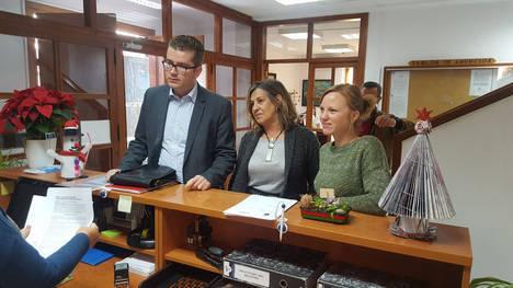 La oposición quiere que la Inspección de Trabajo investigue el medio millón de euros dados en gratificaciones por la alcaldesa de Mojácar