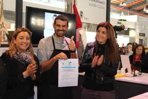 Enrique Sánchez, chef estrella de Canal Sur TV, primero en firmar la adhesión a la candidatura de Almería a Capital Gastronómica