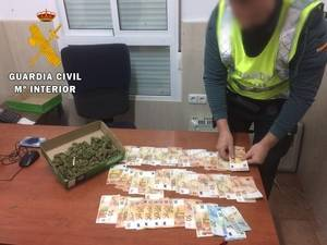 Detenido con una caja de zapatos llena de cogollos de marihuana