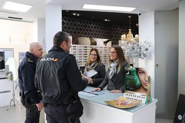 Arranca en El Ejido el Plan 'Comercio Seguro' para evitar la comisión de hechos delictivos durante la campaña de Navidad
