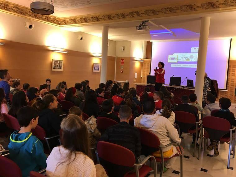Mujeres y deporte en una jornada del IAM en Almería