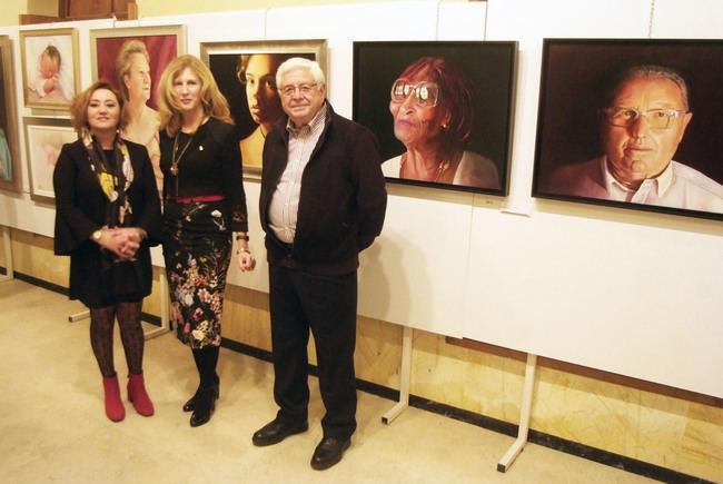 Exposición conjunta de Emilia Resina y Narciso Espinar en el Faro de Roquetas de Mar