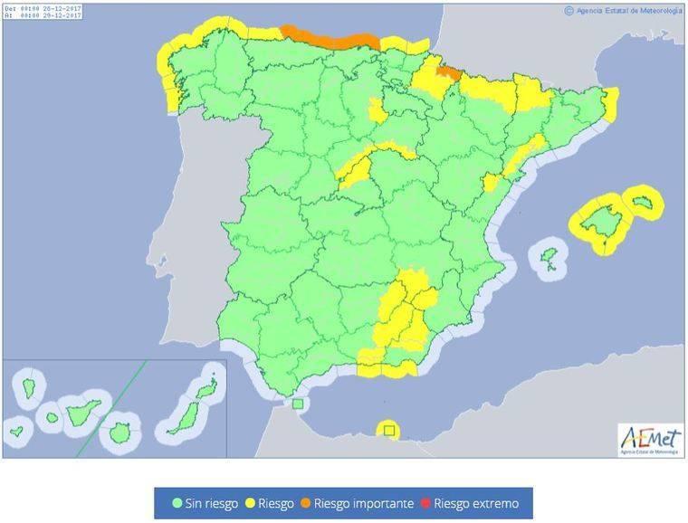Almería, Granada y Jaén estarán en riesgo este jueves por viento, oleaje y lluvias