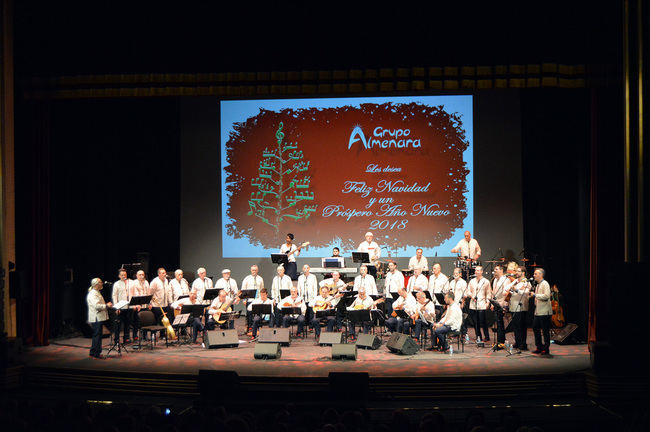 Almenara y su colección de invitados, brindan por la Navidad en el Maestro Padilla