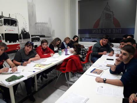 Diputación clausura un curso inglés para jóvenes en Albox