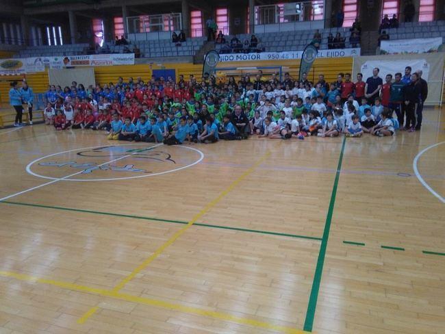 Más de 300 deportistas ejidenses en los Encuentros de Balonmano a 5 de Diputación