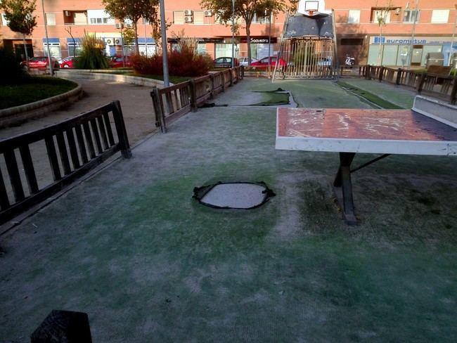 El PSOE critica el abandono del parque Gloria Fuertes