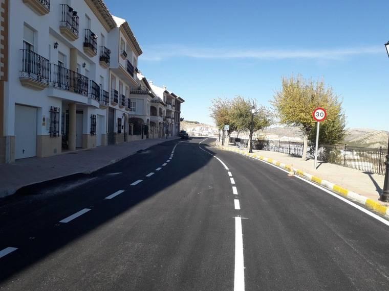 Diputación mejora el firme en la AL-9103 a su paso por Vélez-Blanco