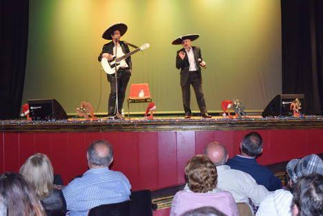 """Gádor celebra el """"día grande"""" de sus mayores en la XXX Gala del Pensionista"""