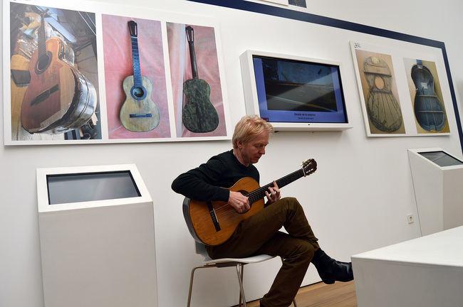 El bicentenario de Torres concluye con la restauración completa de una de sus guitarras