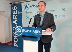 """Amós García: """"Las críticas del Psoe al Gobierno son un intento de tapar las vergüenzas de la Junta"""""""