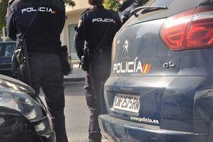 Extraditado a Rumanía por robar una tostadora, un calefactor, una aspiradora y 61 litros de vino