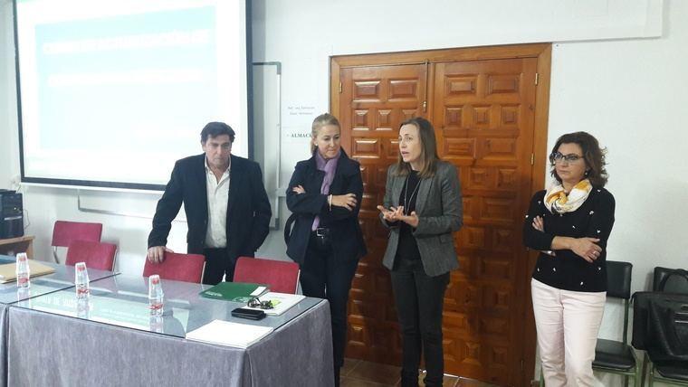 60 direcciones de colegios de Almería se actualizan en sus funciones