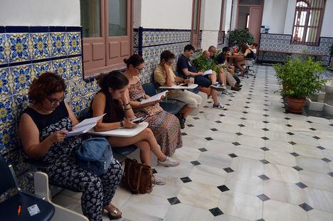 Los estudiantes de la UNED Almería ultiman la preparación de la primera fase de exámenes