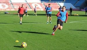 La UD Almería ensaya la definición de jugadas y aspectos tácticos