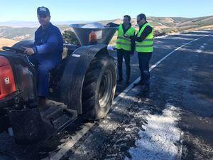 Despejadas las carreteras afectadas por la nieve, salvo la AL-5406 en Las Menas