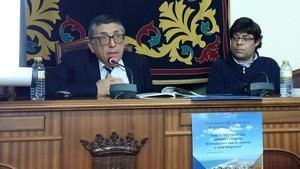 """Presentación en Níjar del último libro de Antonio Gil Albarracín """"Fuego, Destrucción, Sangre y Dejadez"""""""