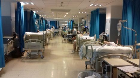 Sin camas en Urgencias de Torrecárdenas desde el miércoles