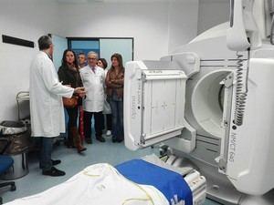 El PP visita Torrecárdenas y se encuentra con 10 camas en los pasillos de Urgencias