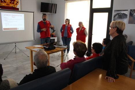 Los mayores de Huércal de Almería realizan un curso de estrategias para evitar olvidos cotidianos