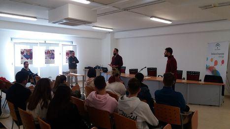 Alumnos de FP y Bachiller del Colegio 'Compañía de María' conocen la labor de Andalucía Emprende