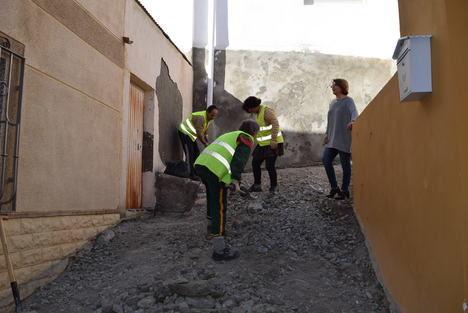 Comienzan las obras para mejorar el acceso a la calle Olvido en Gádor