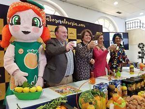 6.000 litros de zumo para celebrar el Día de la Naranja en Gádor