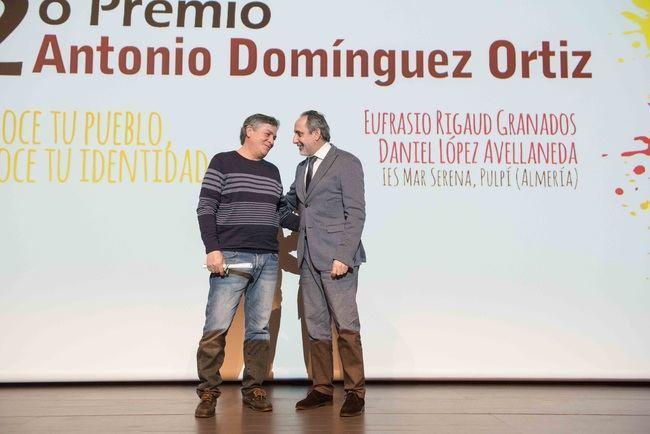 Dos profesores del IES 'Mar Serena' de Pulpí distinguidos con el segundo premio de los Domínguez Ortiz
