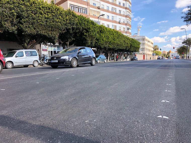 El Ayuntamiento renueva el asfaltado de Carretera de Ronda, entre Las Almadrabillas y la Estación de Renfe