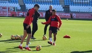 El Almería realiza un ensayo general dentro del Estadio de los Juegos Mediterráneos