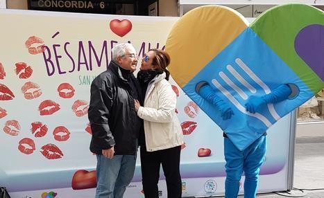 Más de medio millar de almerienses en el concurso 'Bésame mucho'