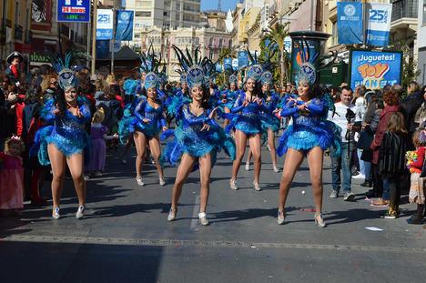Carnaval y actuaciones de los grupos en la fiesta de la sobrasada