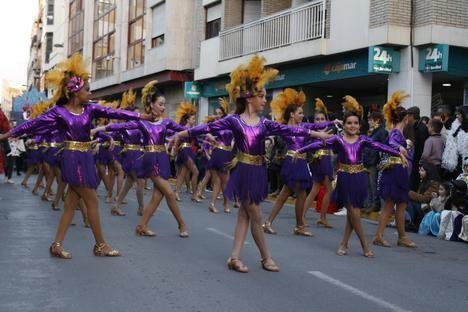 Adra se echa a la calle para disfrutar del Carnaval