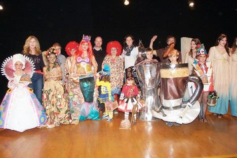 Mariela con 'Madre Naturaleza' gana el Concurso de Disfraces de Roquetas de Mar