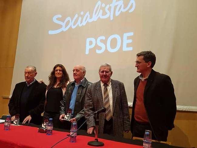 El PSOE rinde homenaje al primer alcalde socialista de la democracia por el 28F