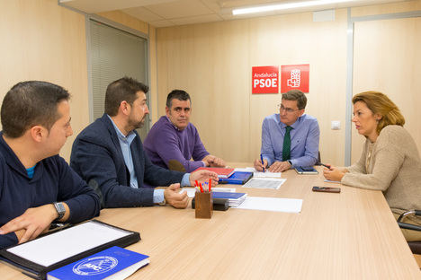 El PSOE de Almería traslada a policías nacionales y guardias civiles el apoyo a sus reivindicaciones salariales