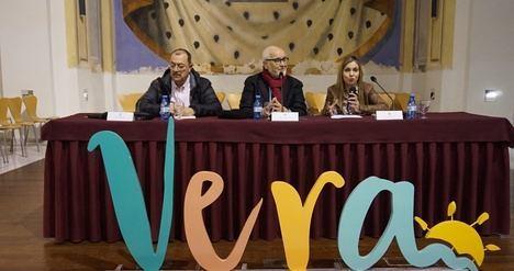 Vera acoge la presentación de 'Amado Pulpo' último libro de Francisco Lopez Barrios