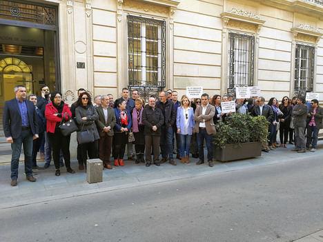 Medio centenar de alcaldes socialistas piden al PP que asuma su compromiso con la Junta e invierta en caminos rurales