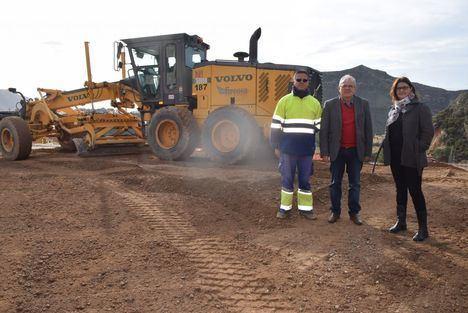 Bonilla visita las obras de las nuevas infraestructuras de La Envía
