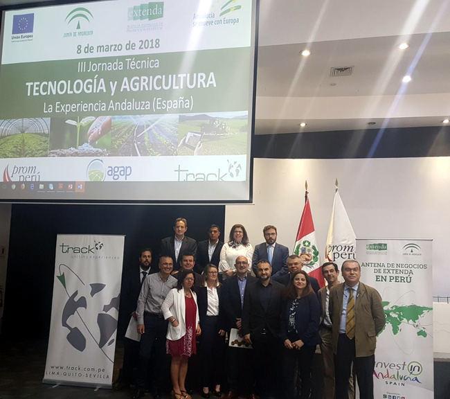 Una decena de empresas agrícolas almerienses buscan negocio en Ecuador y Perú